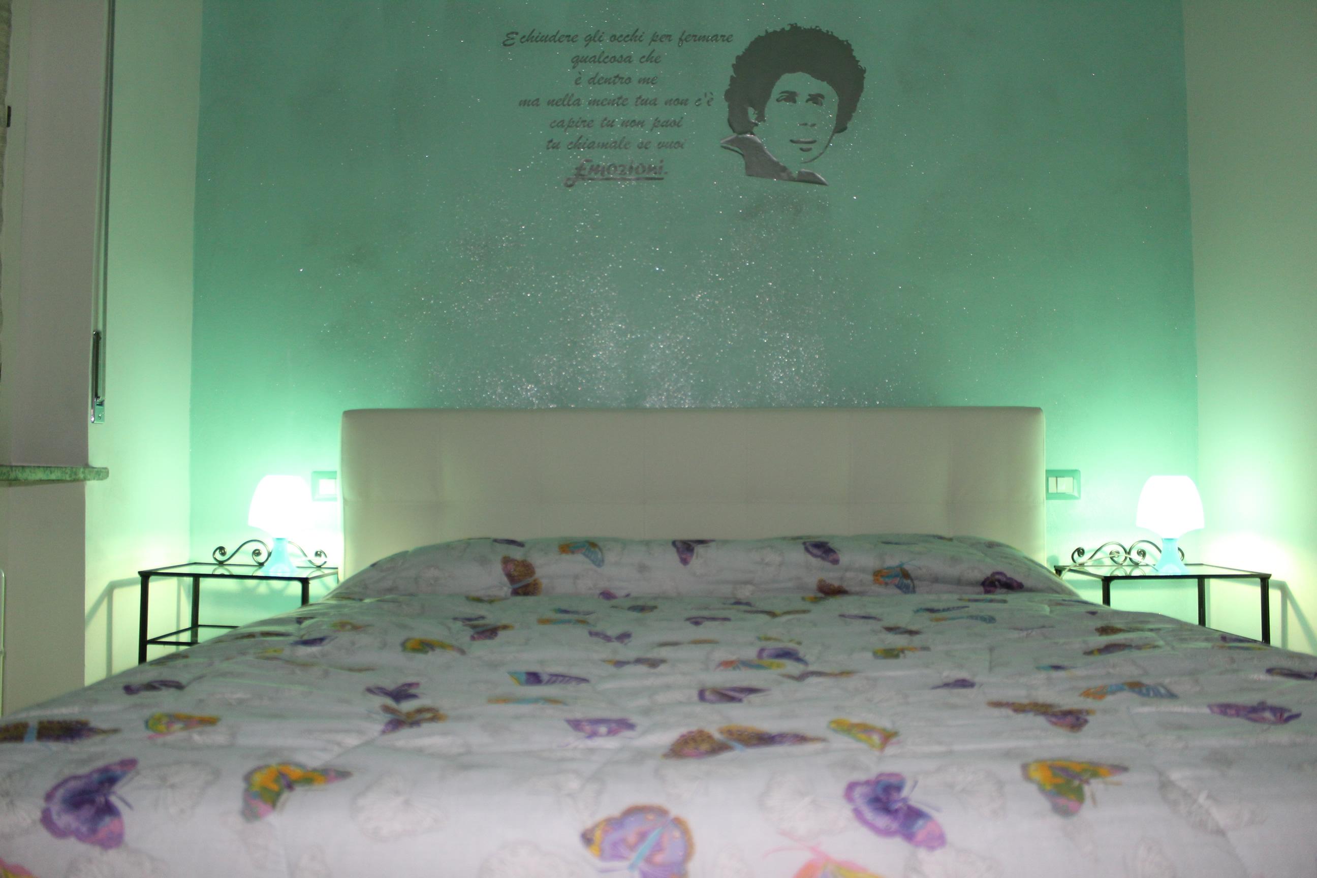 Camere Da Letto Verde Tiffany : Camera verde la calma